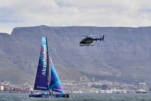 17_112735   © Thierry Martinez / team AkzoNobel.  CAPE TOWN - SOUTH AFRICA . 6 December 2017. Volvo Ocean Race 2017-18. Practice race.